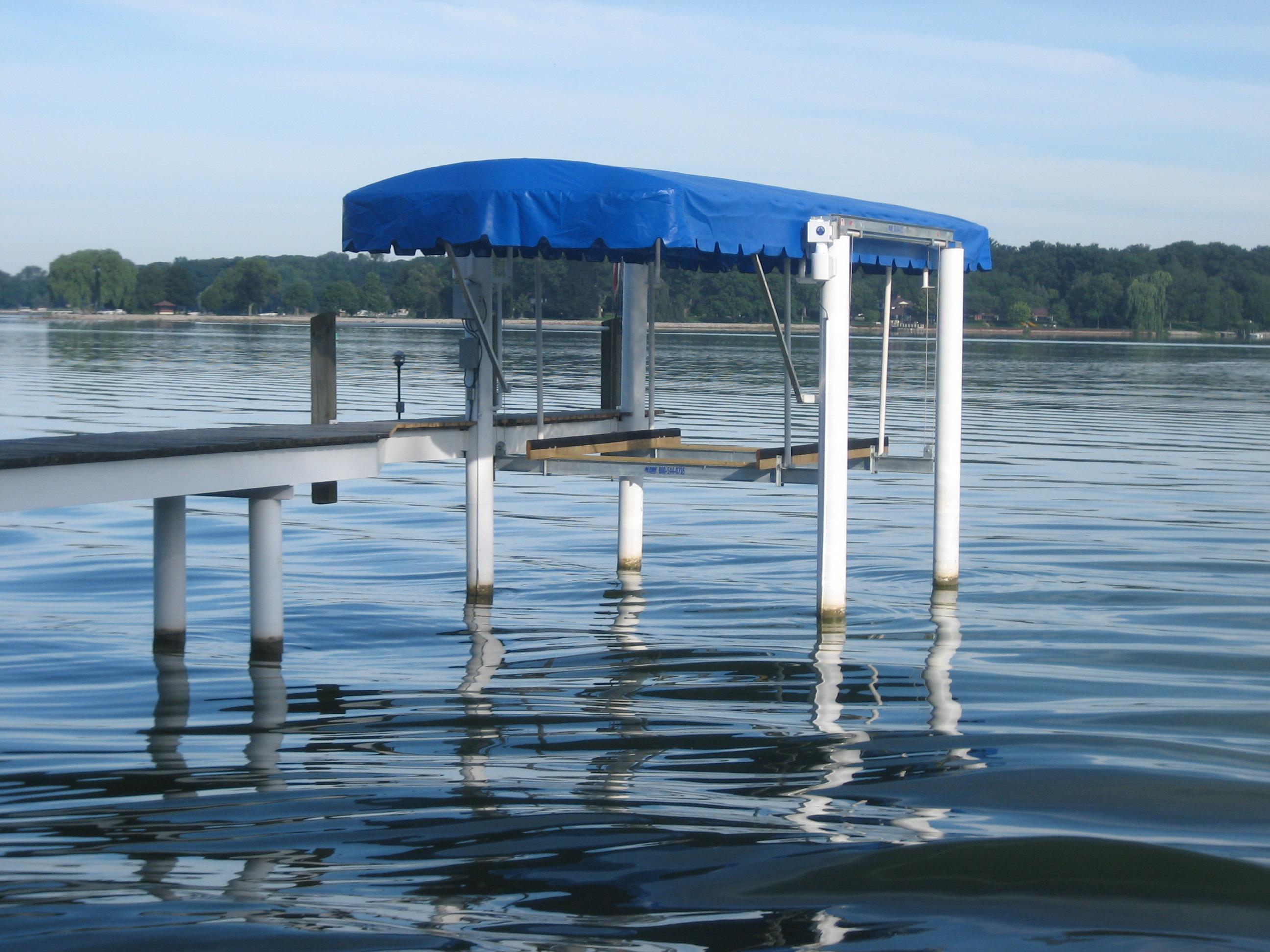 banner-boatlift