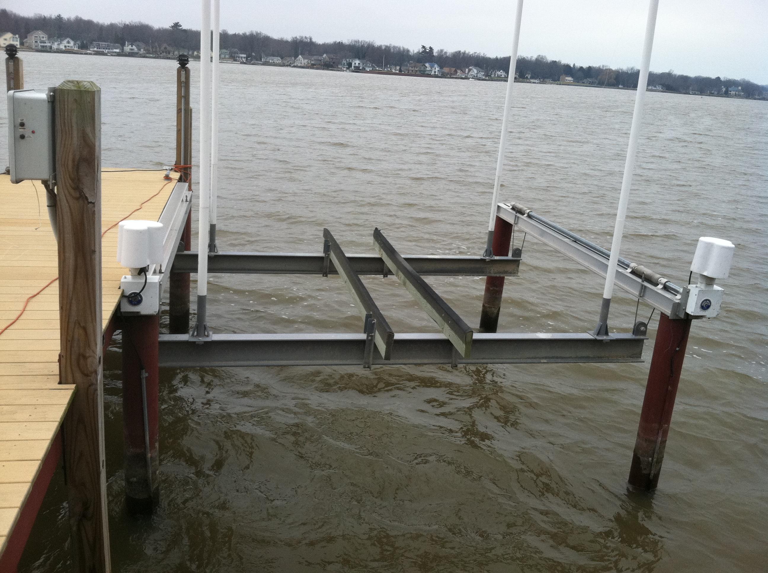 boatlifts4